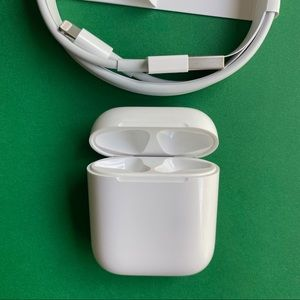 Apple AirPods Charging Case w/Lightning Cord